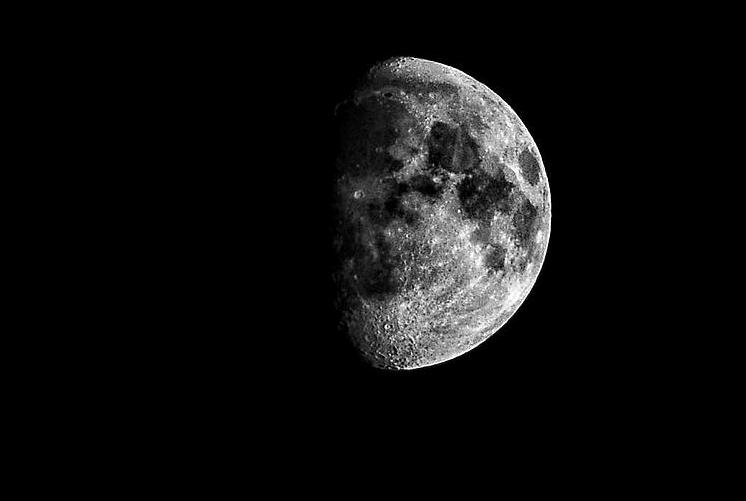 Moon time, Peggyschirmer.com
